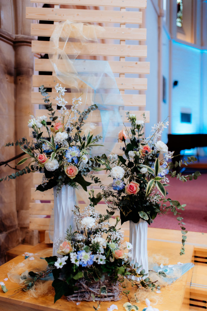 coastal wedding flowers