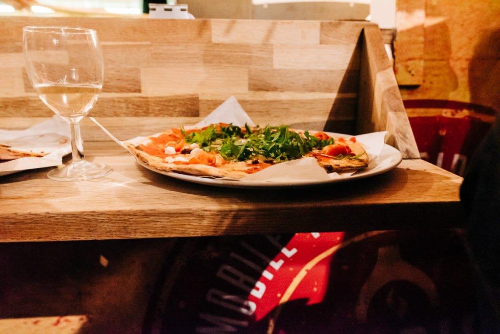 Locally sourced food pizza van Surrey kent
