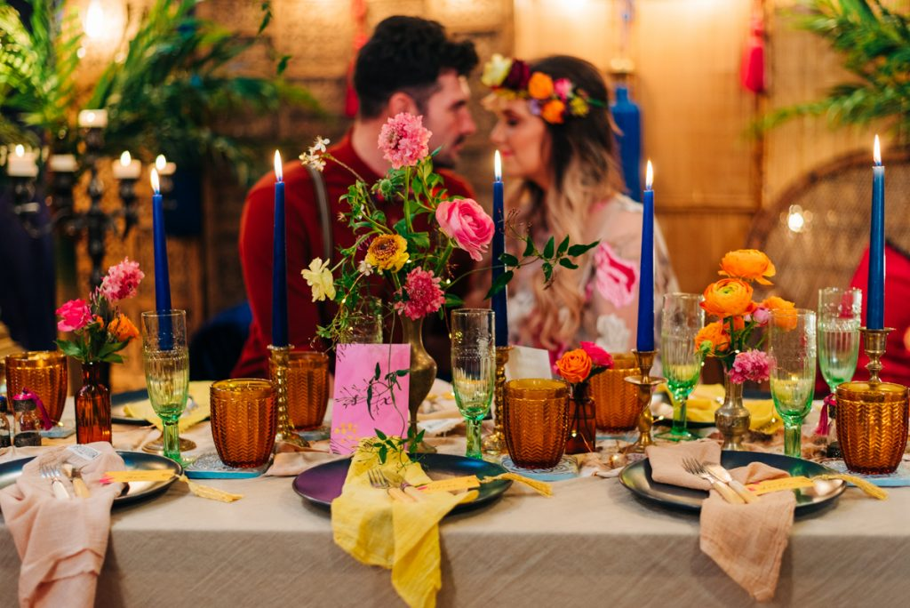romanic vibrant wedding table