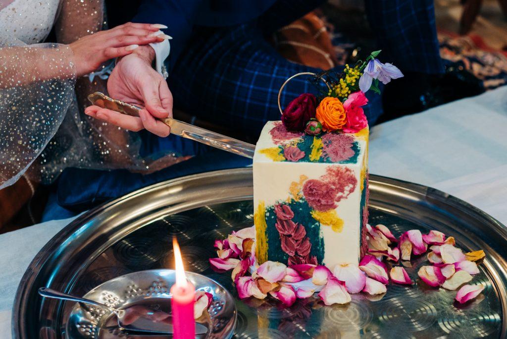 Eco friendly wedding cake Surrey