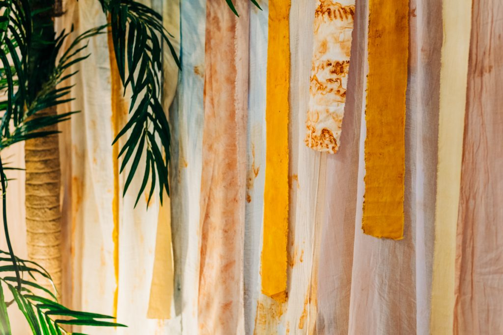 diy colourful wedding decorations